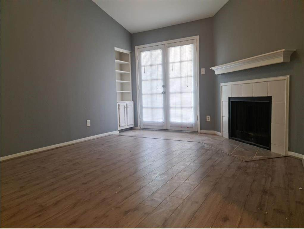 2. Condo / Townhouse for Rent at 14600 Fonmeadow Drive #105 14600 Fonmeadow Drive Houston, Texas 77035 United States