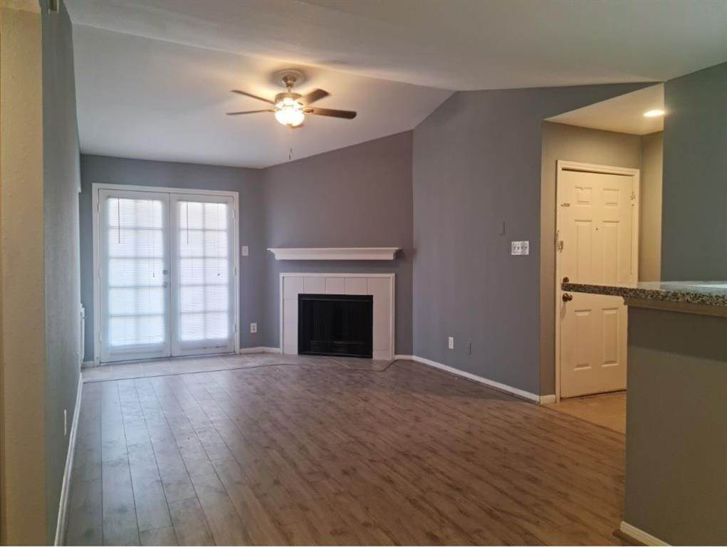 3. Condo / Townhouse for Rent at 14600 Fonmeadow Drive #105 14600 Fonmeadow Drive Houston, Texas 77035 United States