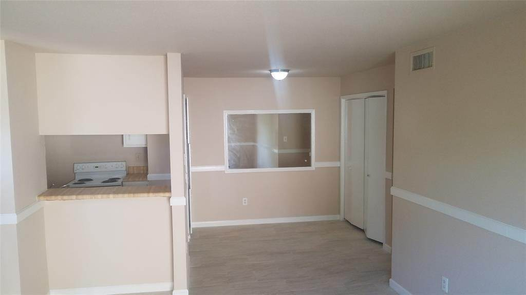 7. Condo / Townhouse for Rent at 6161 Reims Road #1203 6161 Reims Road Houston, Texas 77036 United States