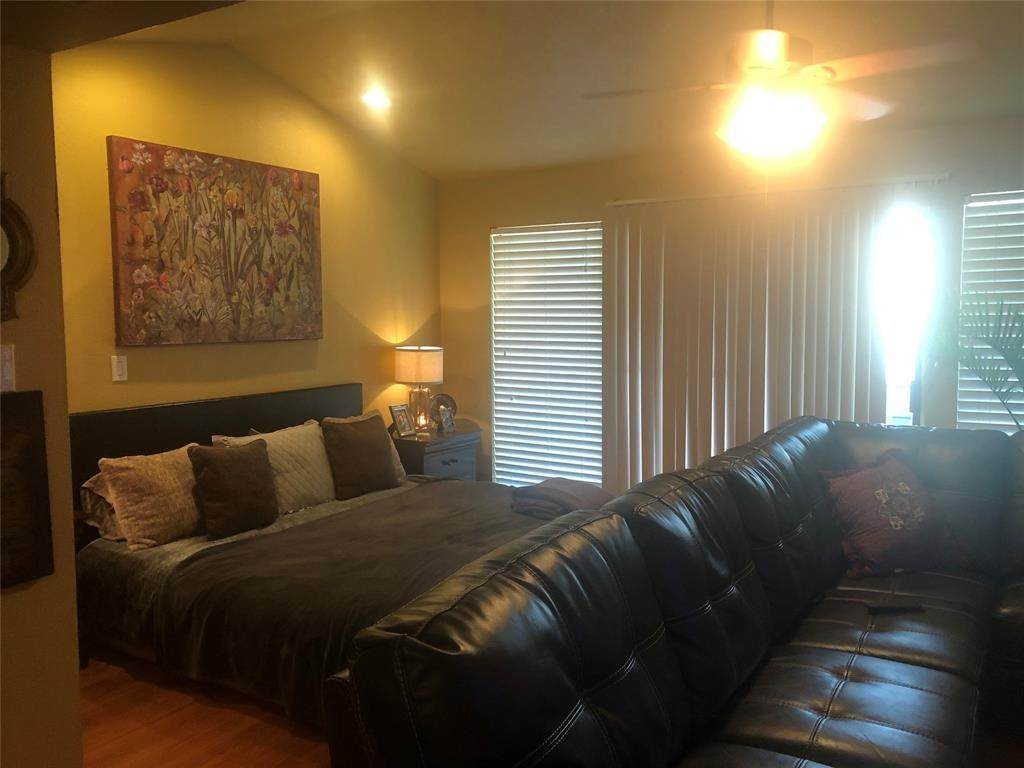 10. Condo / Townhouse for Rent at 14777 Wunderlich Drive #906 14777 Wunderlich Drive Houston, Texas 77069 United States
