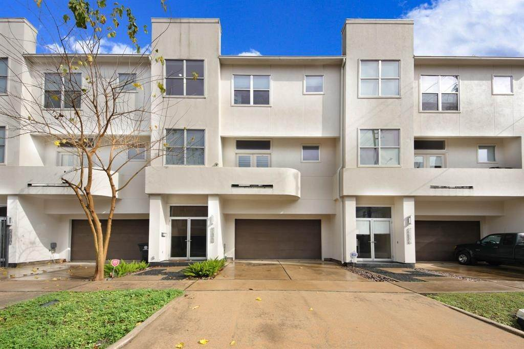 42. Condo / Townhouse for Rent at 4419 Floyd Street #B 4419 Floyd Street Houston, Texas 77007 United States