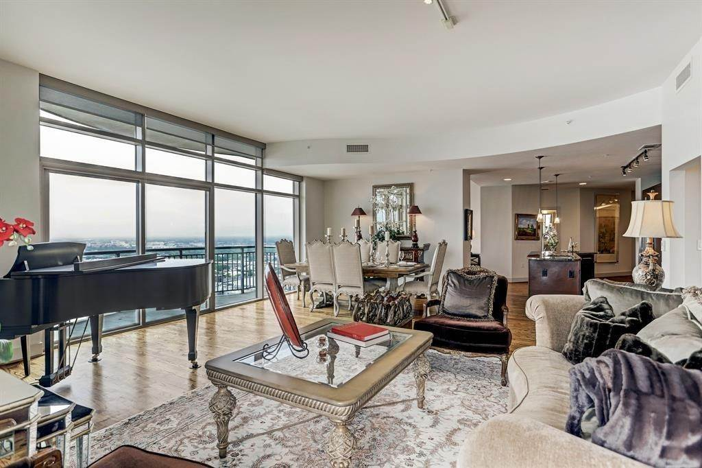 High or Mid-Rise Condo for Rent at 1400 Mckinney Street #2910 1400 Mckinney Street Houston, Texas 77010 United States