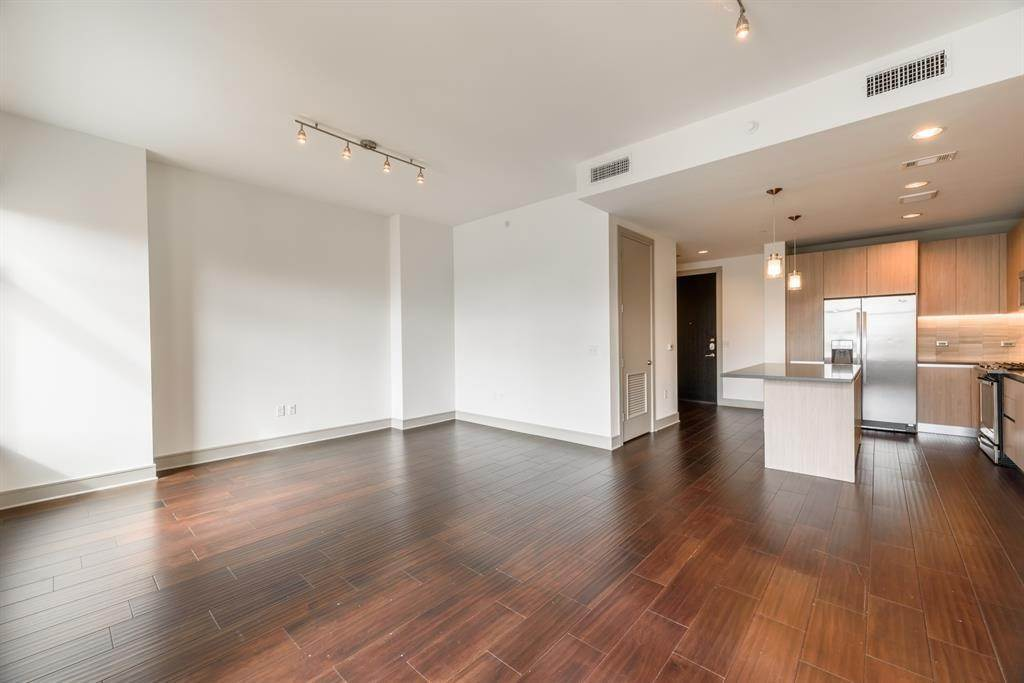 High or Mid-Rise Condo for Rent at 409 Travis Street #1205 409 Travis Street Houston, Texas 77002 United States