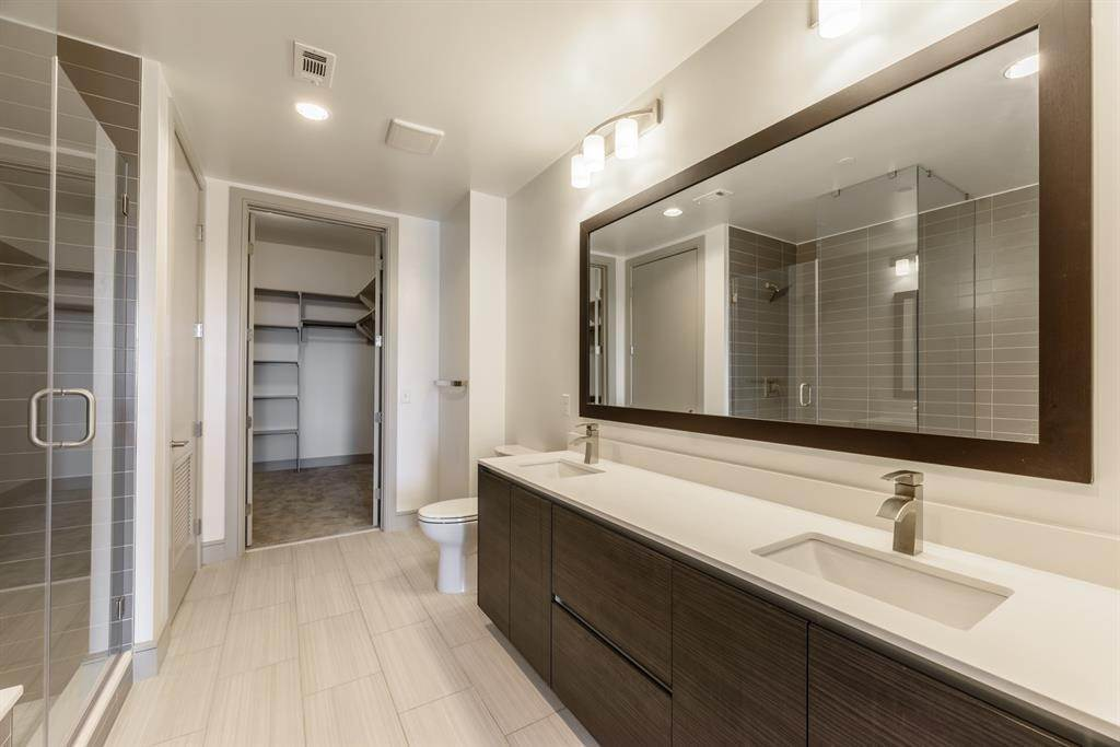 13. High or Mid-Rise Condo for Rent at 409 Travis Street #1205 409 Travis Street Houston, Texas 77002 United States