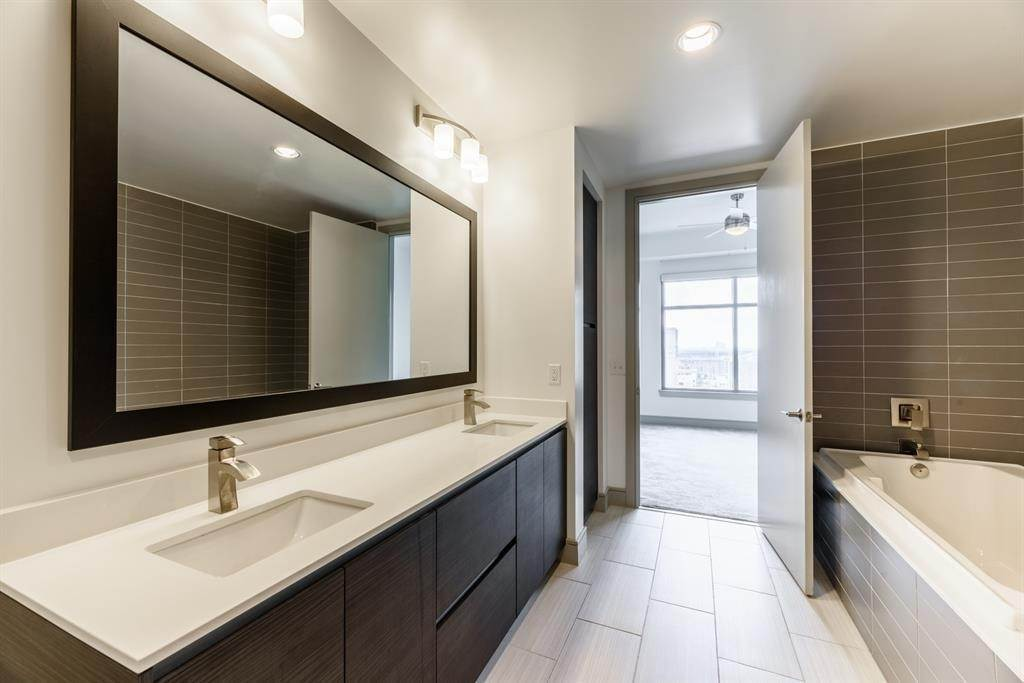 14. High or Mid-Rise Condo for Rent at 409 Travis Street #1205 409 Travis Street Houston, Texas 77002 United States