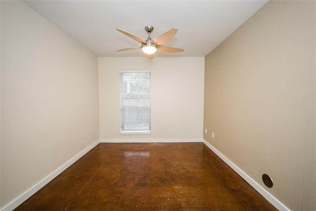 37. Condo / Townhouse for Rent at 812 Robin Street Houston, Texas 77019 United States