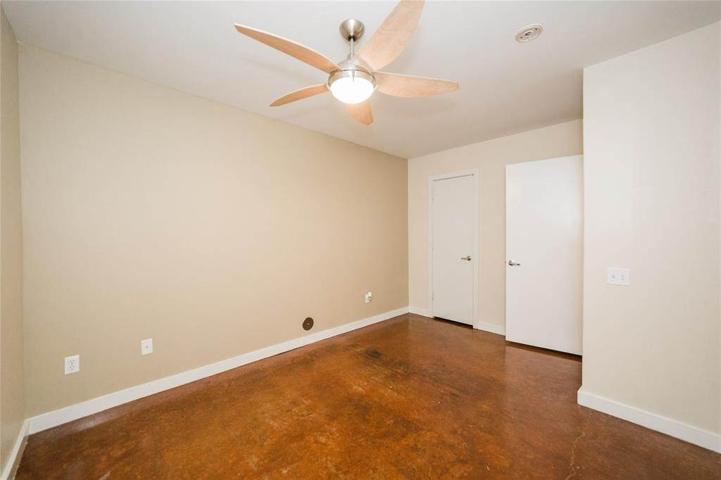 38. Condo / Townhouse for Rent at 812 Robin Street Houston, Texas 77019 United States