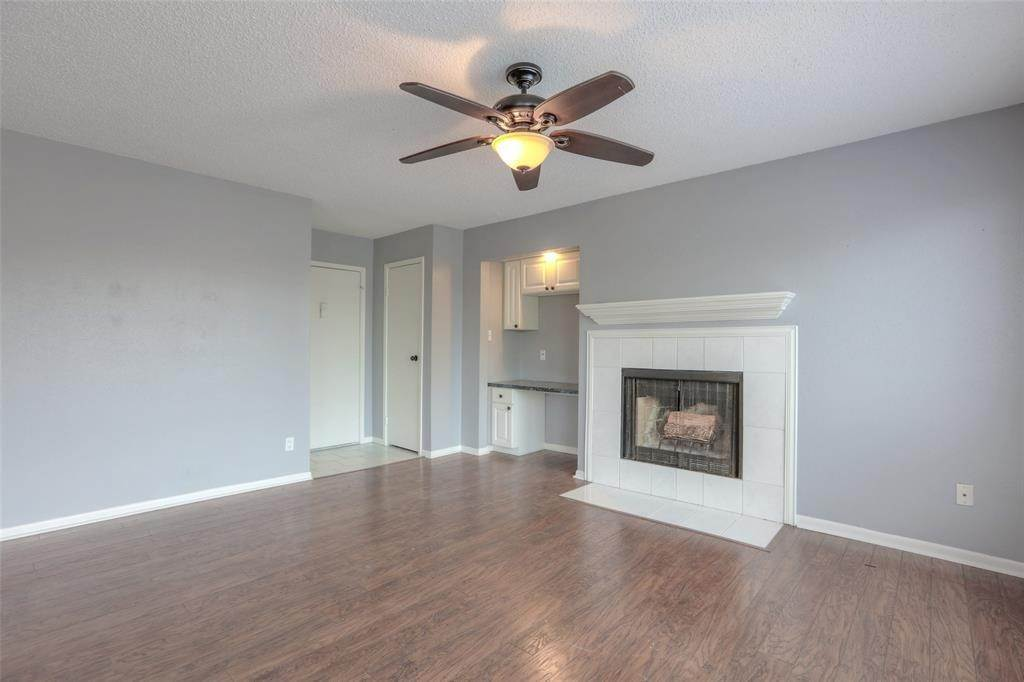 3. Condo / Townhouse for Rent at 3919 Fairmont Parkway #122 3919 Fairmont Parkway Pasadena, Texas 77504 United States