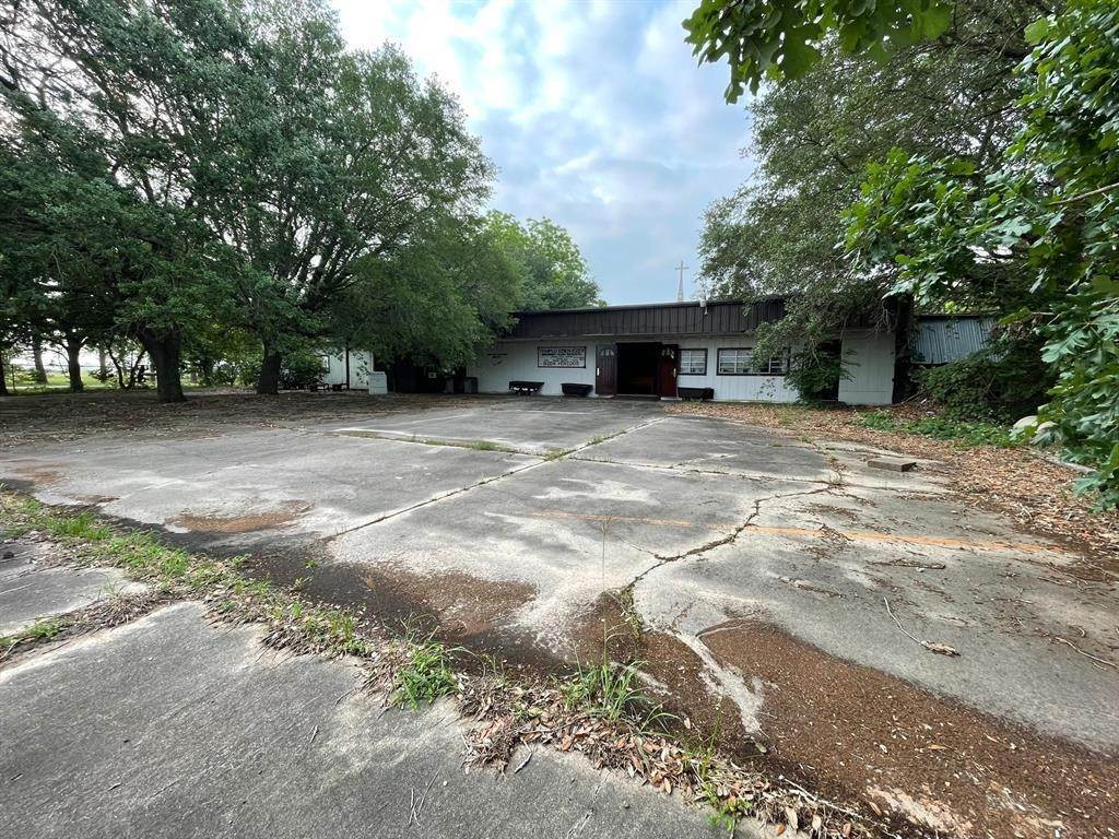 Single Family for Sale at 1103 Us Highway 59 Edna, Texas 77957 United States