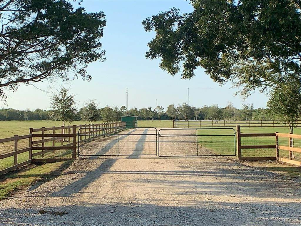 Land for Sale at 9020 County Road 196 Liverpool, Texas 77577 United States