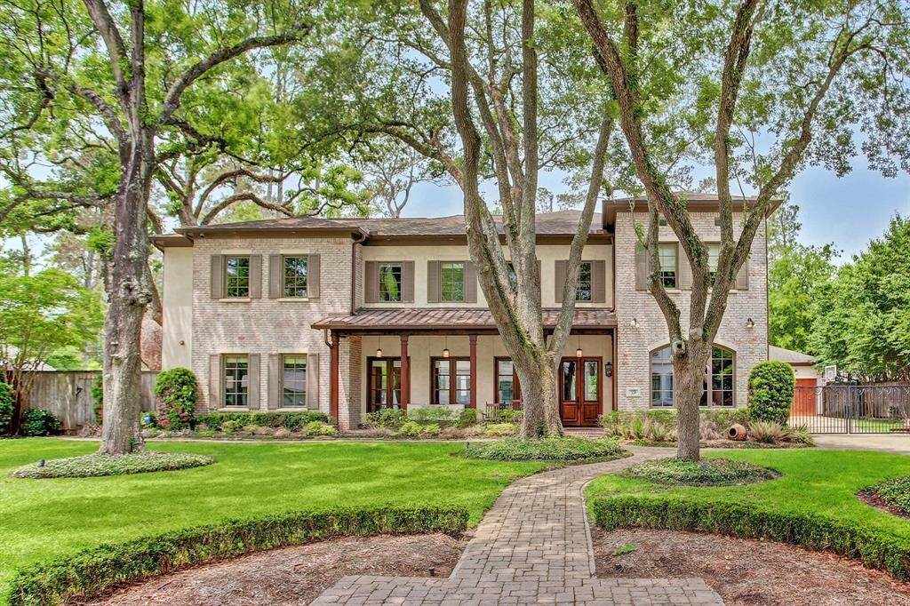 Single Family for Sale at 331 Chapel Belle Lane Bunker Hill Village, Texas 77024 United States