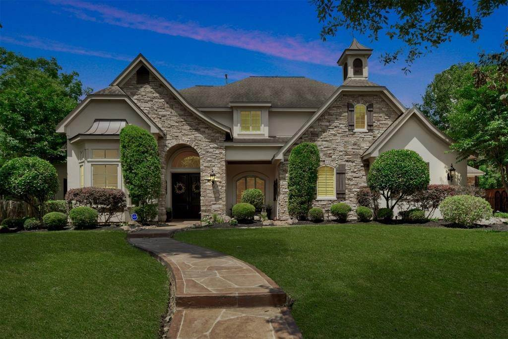 Single Family for Sale at 6010 S Royal Point Drive Kingwood, Texas 77345 United States