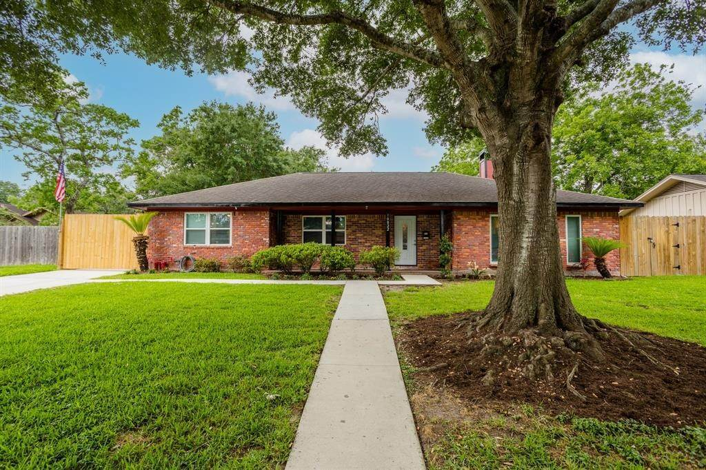 Single Family for Sale at 10822 Oasis Drive Houston, Texas 77096 United States